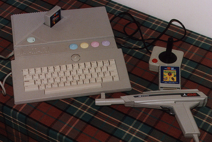 Atari 51XEGS with Light Gun